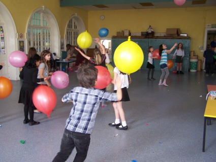 Children playing at a science holiday club day in Bath holiday care children